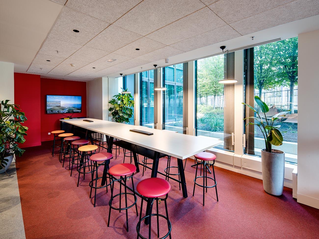 Cafétéria Tonic Lunch - immeuble bureaux Tour CB21 Paris La Défense