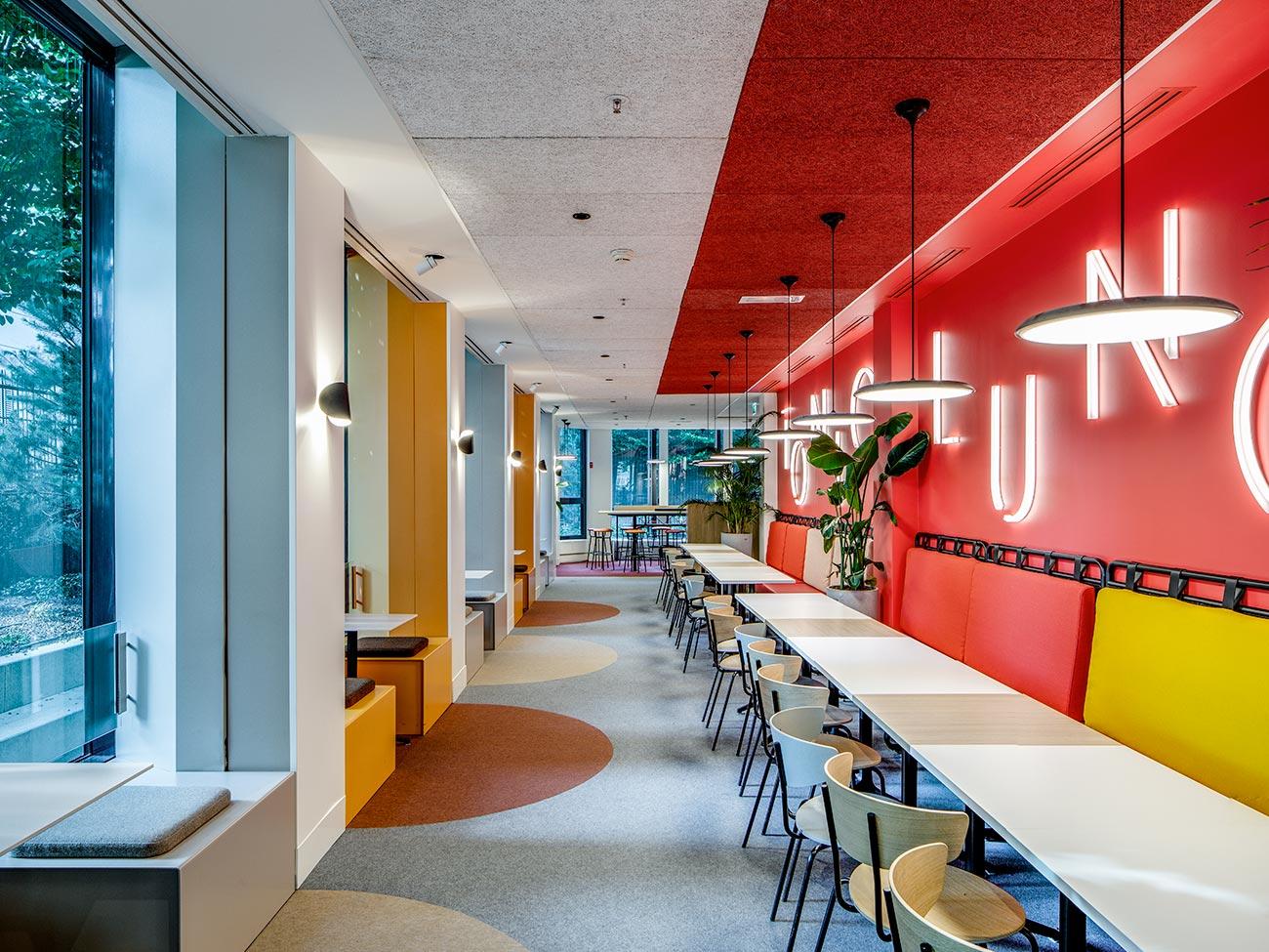 Cafétéria Tonic Lunch - bureaux Tour CB21 Paris La Défense