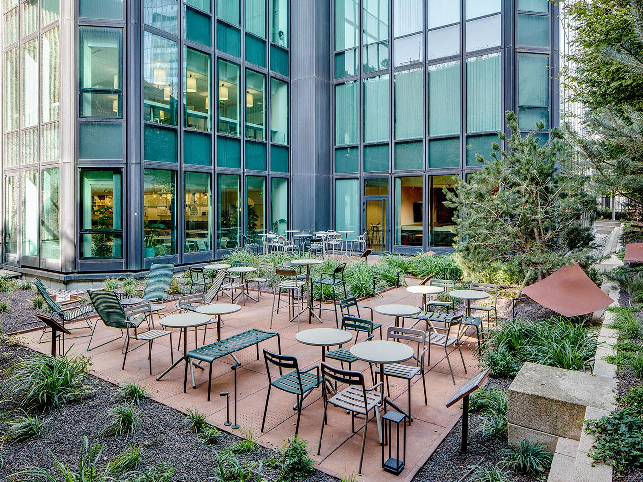Tonic Garden - jardin immeuble bureaux Tour CB21 Paris La Défense