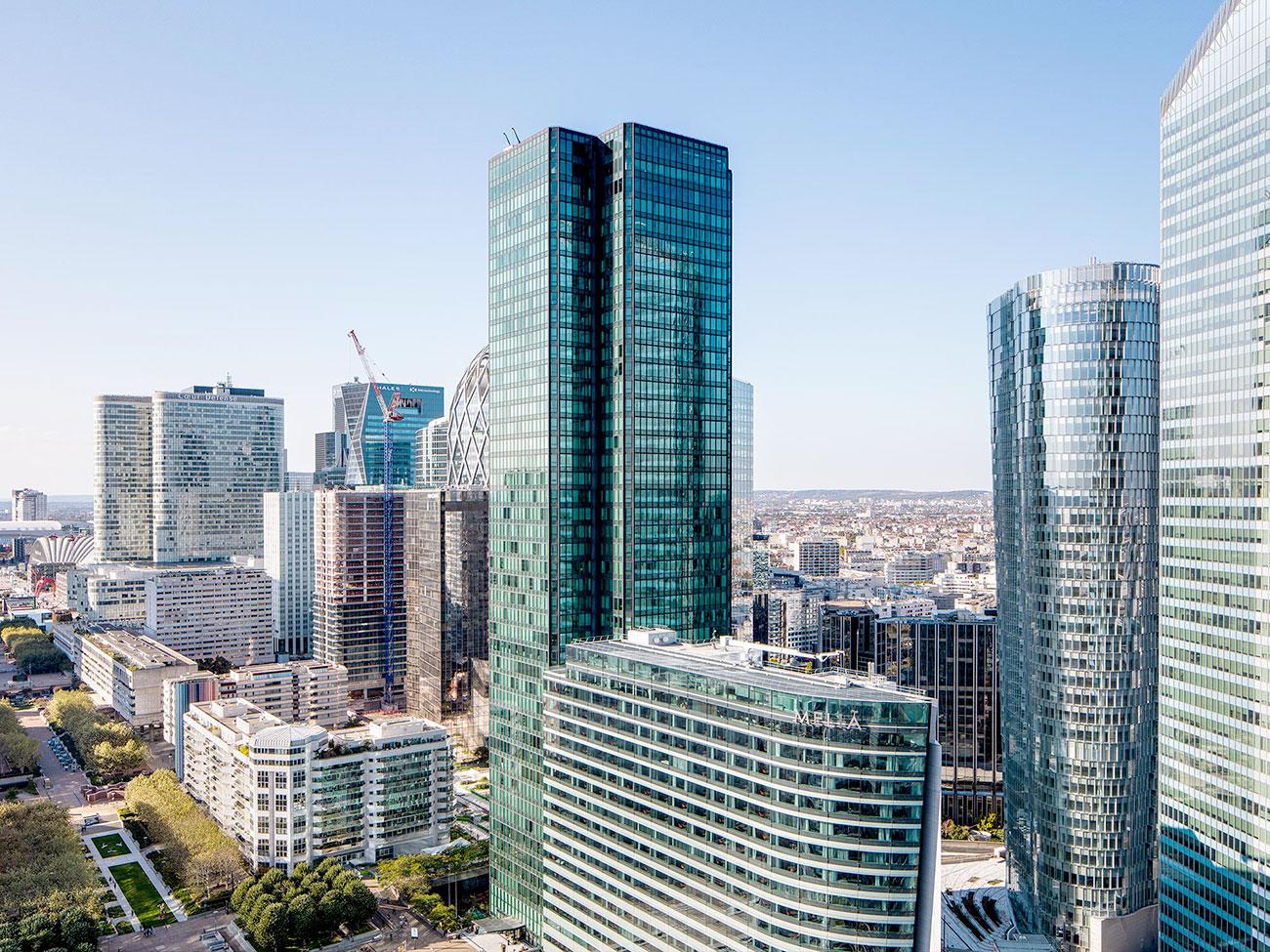 vue aérienne immeuble bureaux Tour CB21 Paris La Défense