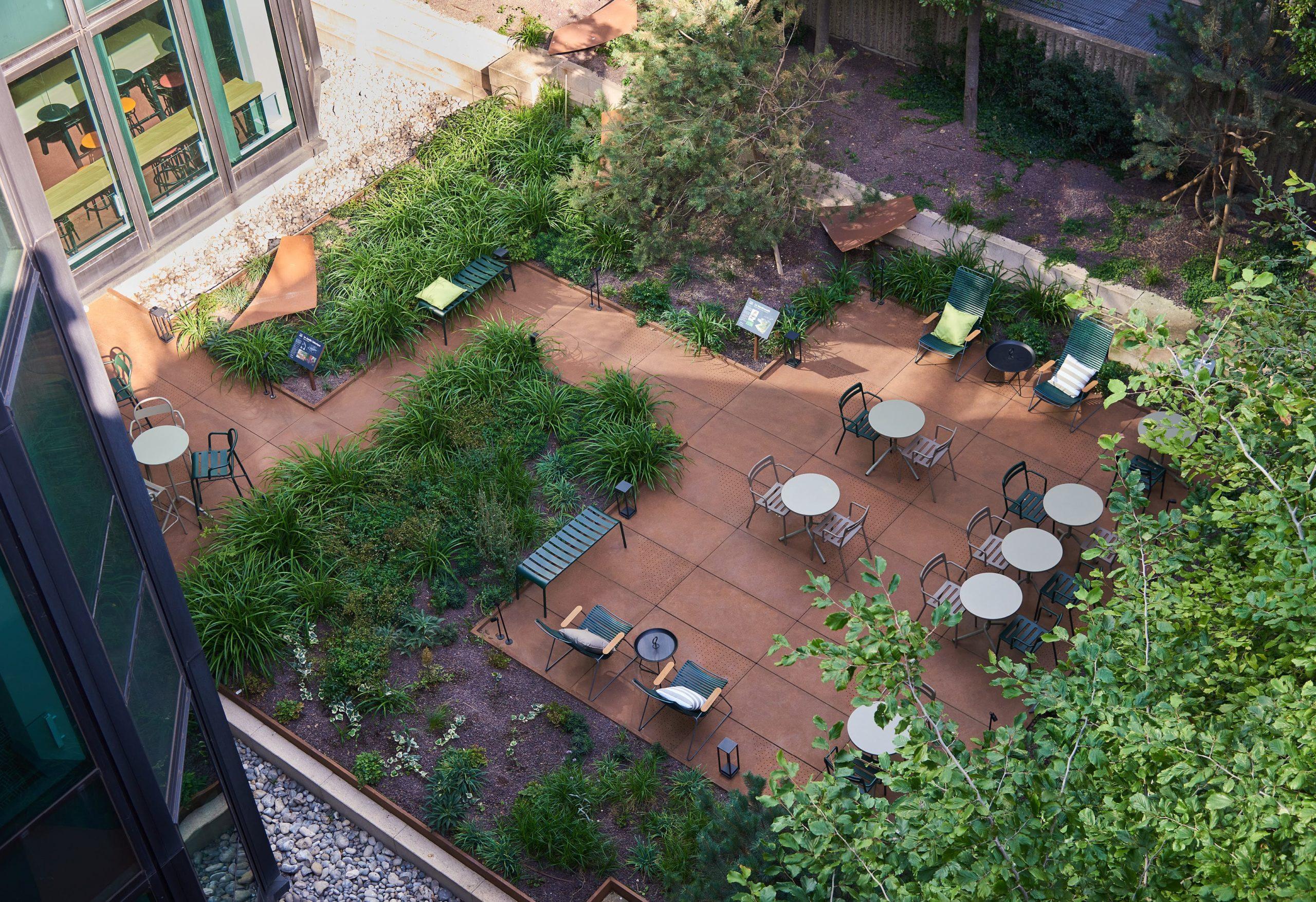 Le Tonic Garden - jardin immeuble bureaux Tour CB21 Paris La Défense