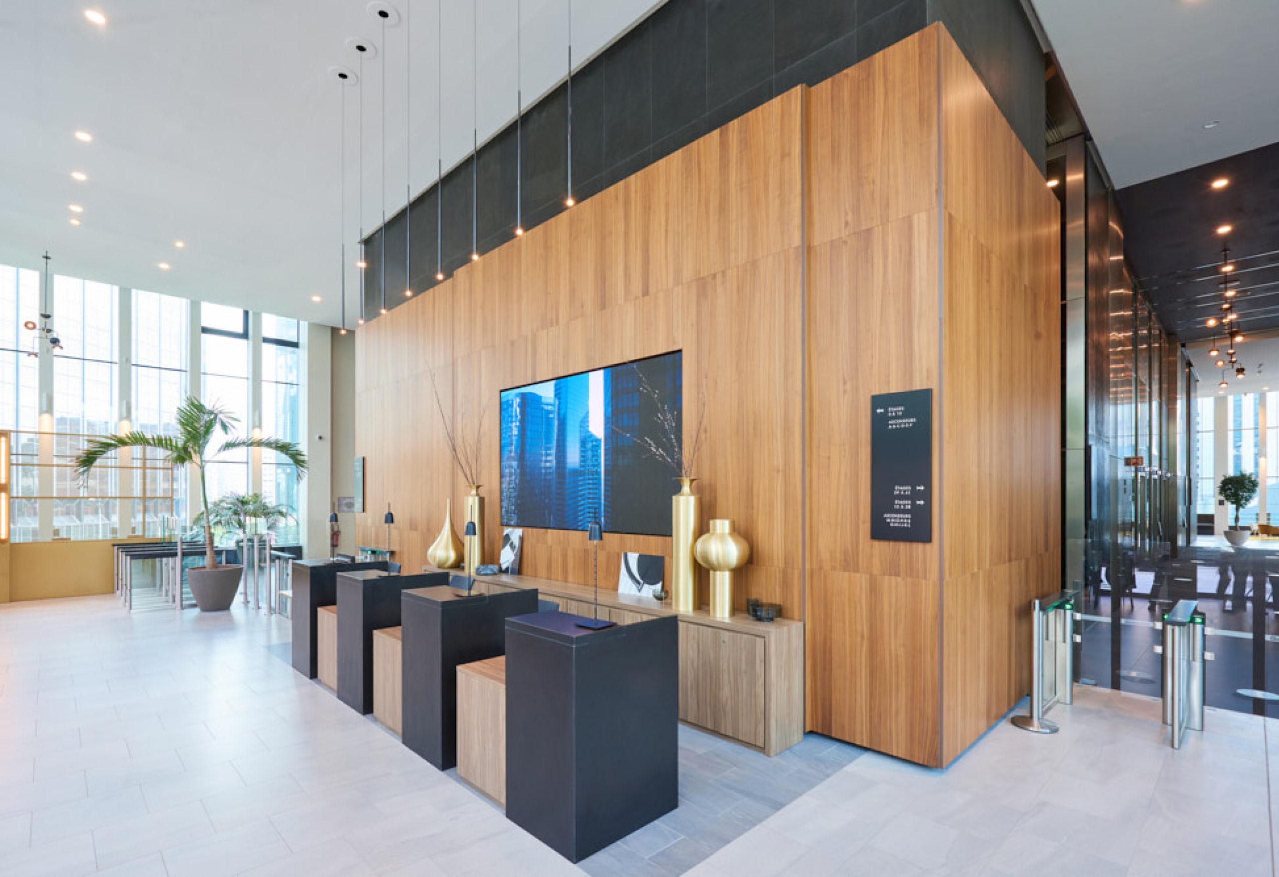 Hall d'accueil Iris, espace wifi, immeuble bureaux Tour CB21 Paris La Défense